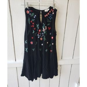 UMGEE Black Embroidered Floral Boho Top Small